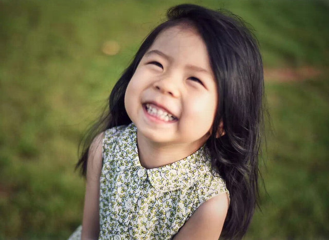 child-outdoors-park-people-happiness 图片素材