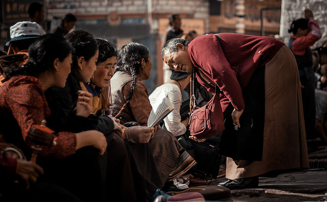 people-woman-group-street-religion picture material