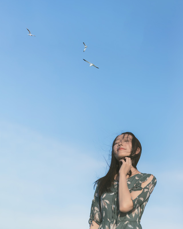 sky-freedom-wind-girl-woman picture material