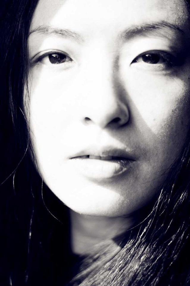 monochrome-portrait-face-woman-people picture material