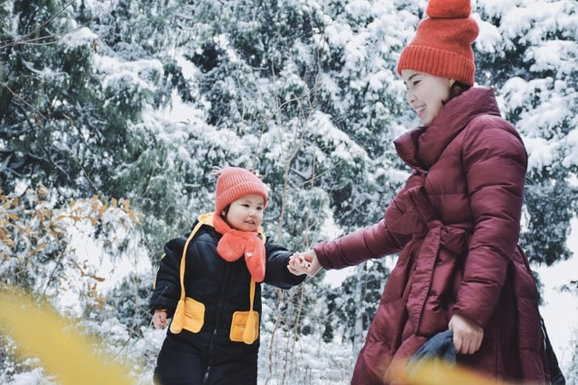 snow-winter-freezing-playing-in-the-snow-geological-phenomenon 图片素材
