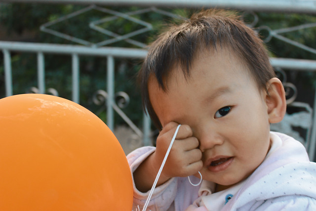 child-people-facial-expression-outdoors-one 图片素材