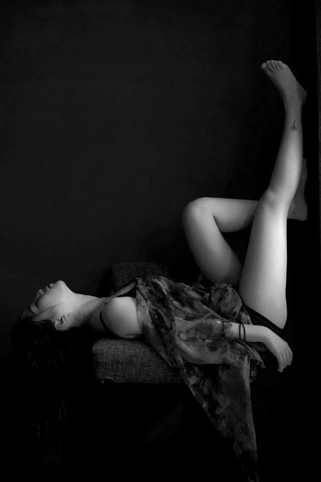 nude-girl-woman-people-monochrome picture material