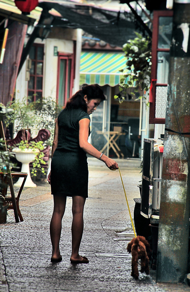 street-people-woman-road-city picture material