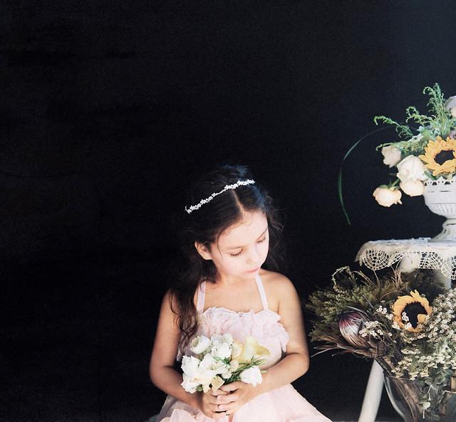 bride-wedding-veil-flower-portrait picture material