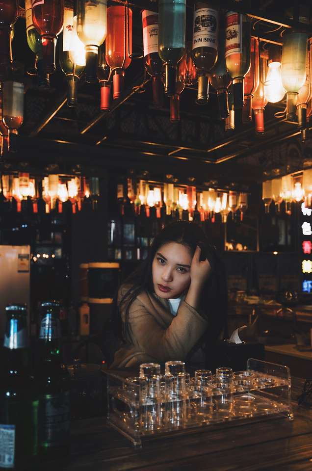 bar-candle-people-nightclub-indoors picture material