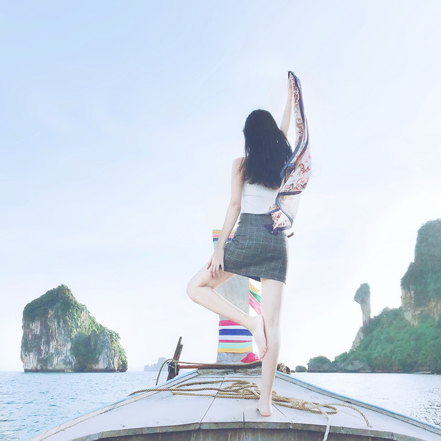 fun-summer-woman-sky-balance picture material