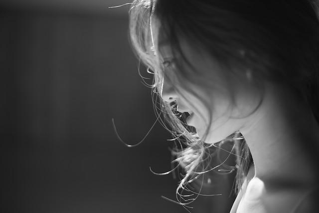 monochrome-dark-black-photograph-girl picture material