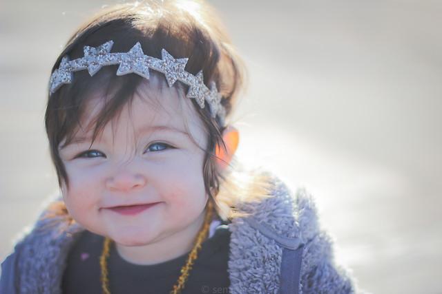child-winter-portrait-girl-snow picture material