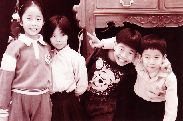 people-child-group-son-photograph 图片素材
