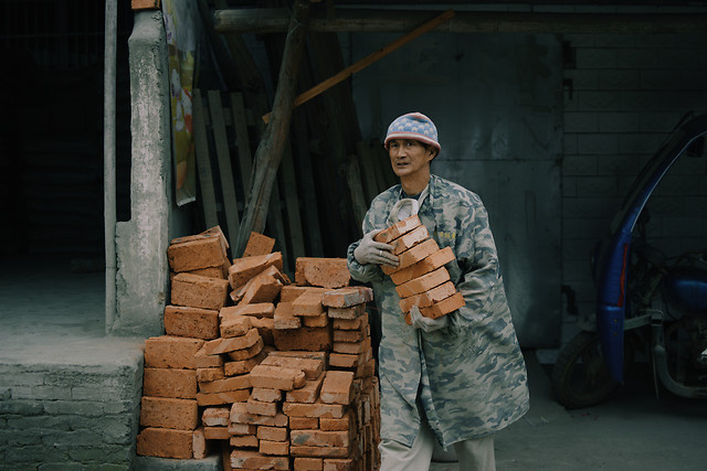 people-one-adult-container-grinder picture material
