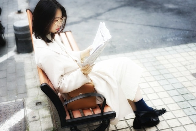 sitting-girl-portrait-woman-people picture material
