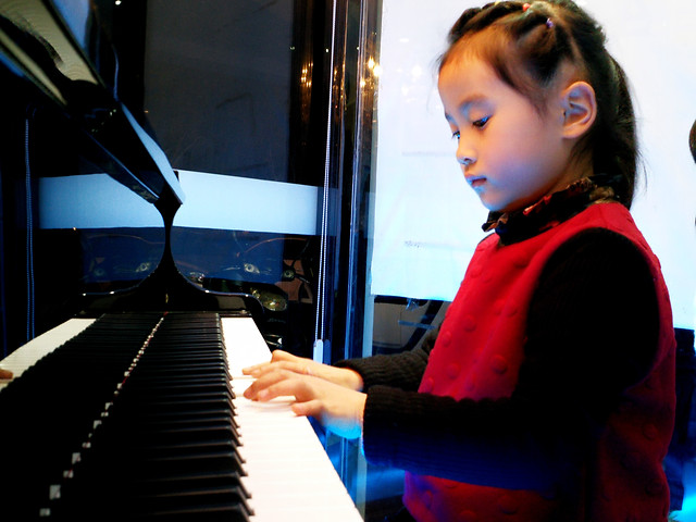 piano-music-instrument-pianist-musician picture material
