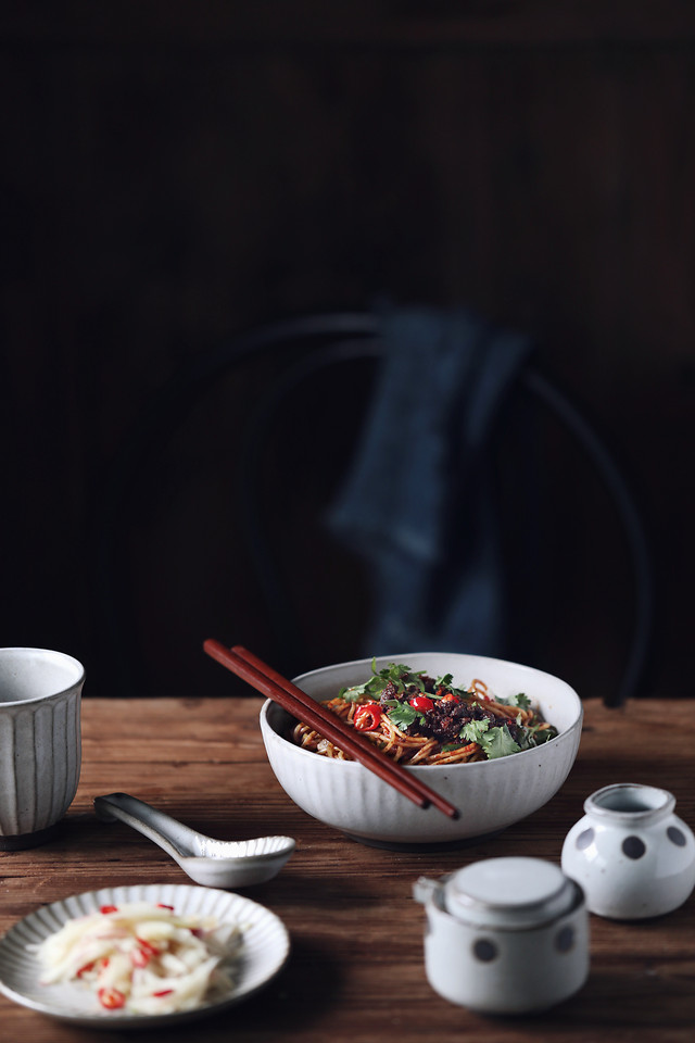 no-person-food-bowl-table-still-life 图片素材