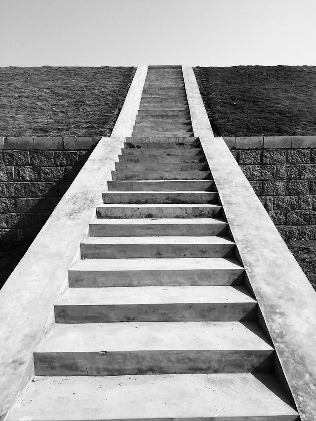 step-no-person-black-white-guidance-monochrome picture material