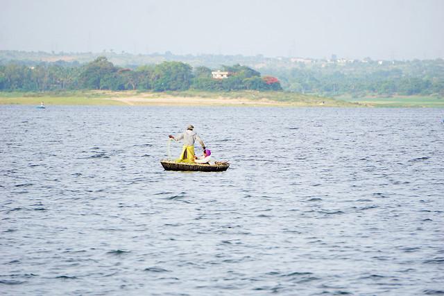 water-watercraft-fisherman-lake-waterway picture material