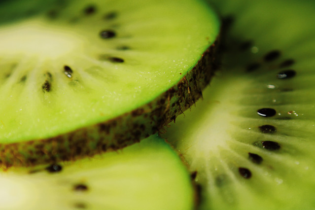 kiwi-juicy-fruit-tropical-no-person picture material