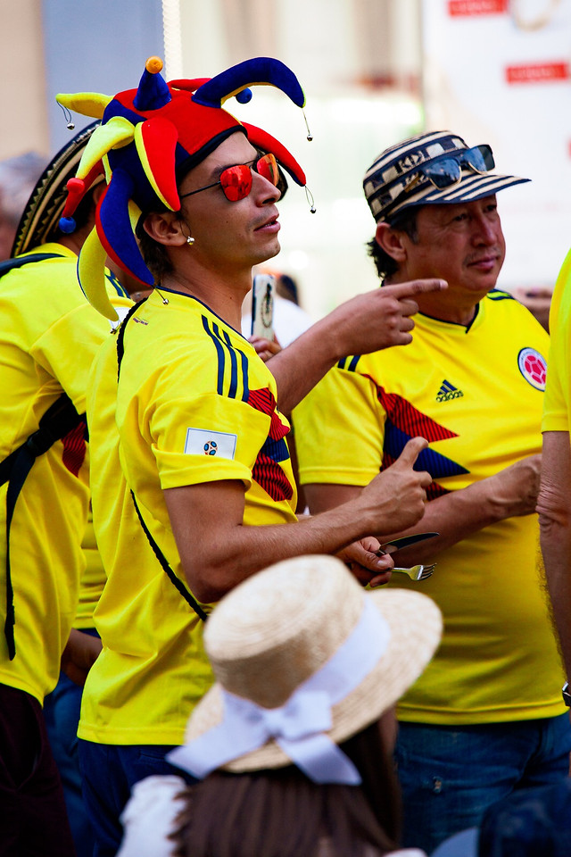 competition-soccer-football-yellow-people picture material