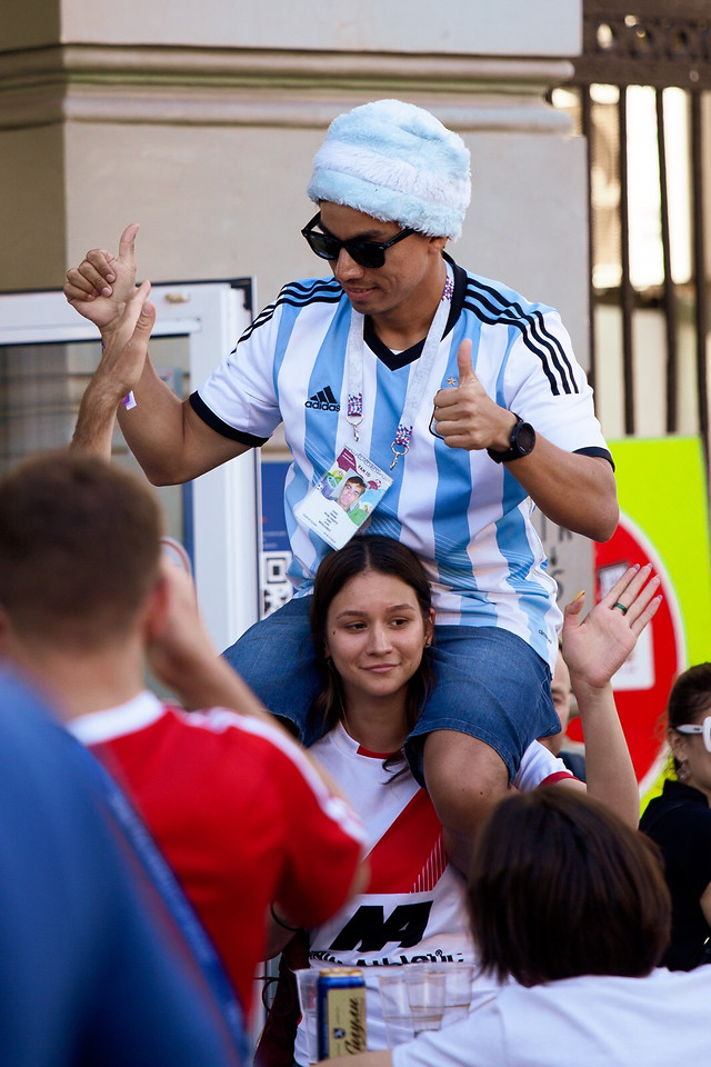 man-competition-people-woman-football picture material
