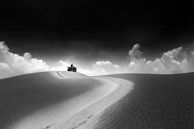 landscape-no-person-white-desert-black 图片素材