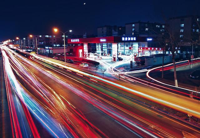 blur-traffic-fast-transportation-system-road 图片素材