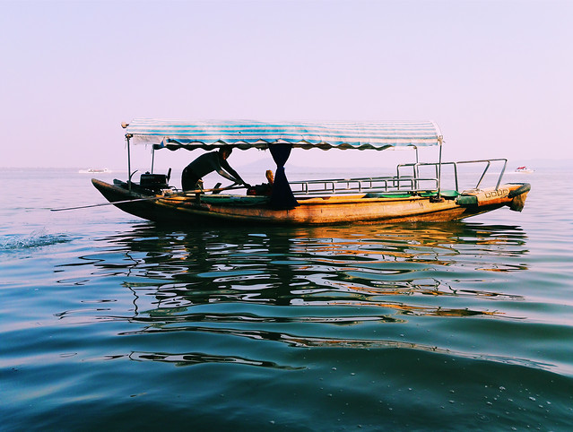 water-boat-watercraft-sea-travel picture material