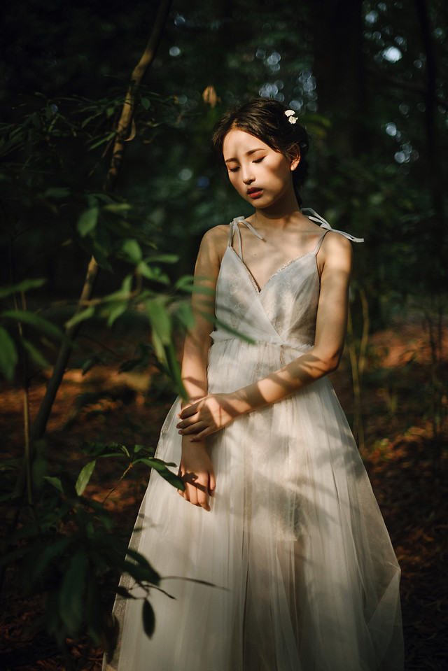 girl-dress-portrait-woman-people 图片素材