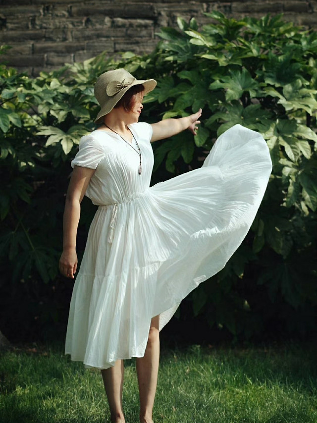 woman-summer-outdoors-fashion-grass picture material