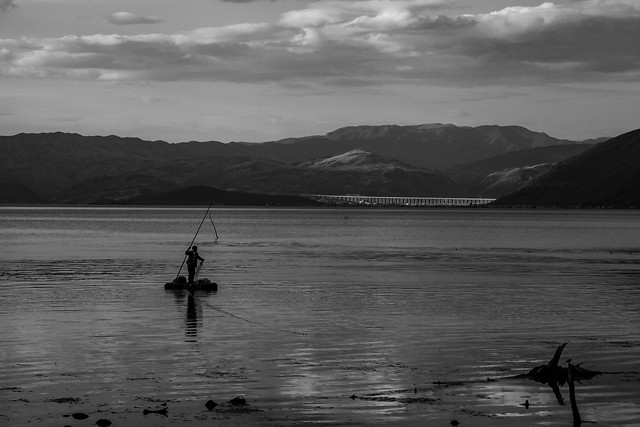 fisherman-water-lake-watercraft-sunset picture material