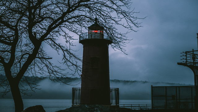 lighthouse-no-person-water-dawn-travel picture material