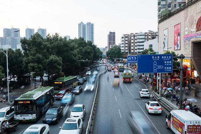 car-city-road-traffic-street 图片素材
