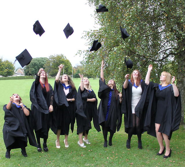 graduation-university-education-ceremony-mortarboard picture material