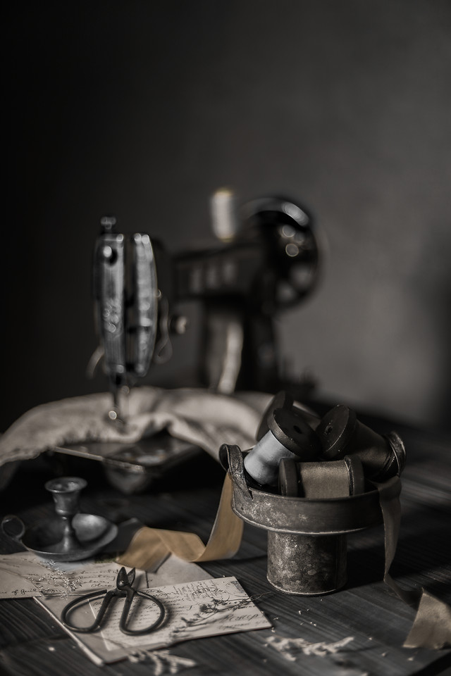 still-life-monochrome-black-and-white-old-object-still-life-photography 图片素材