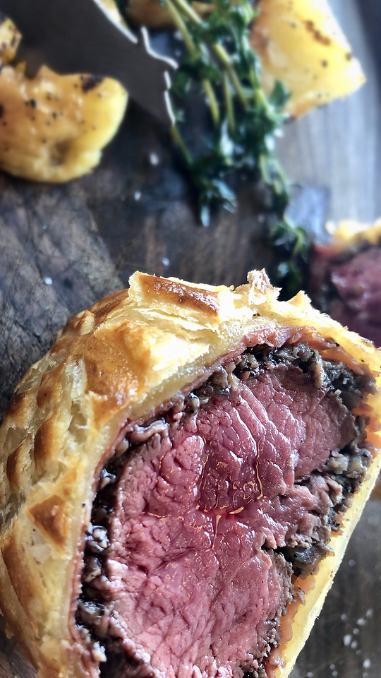 food-meat-beef-wellington-steak-no-person picture material