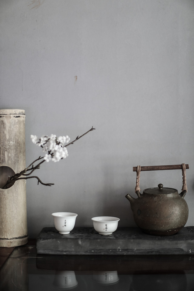 still-life-interior-design-table-tableware-vase picture material