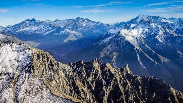 mountain-ridge-sky-winter-snow 图片素材