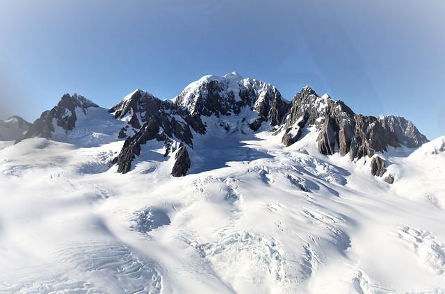 cook-snow-mountain 图片素材