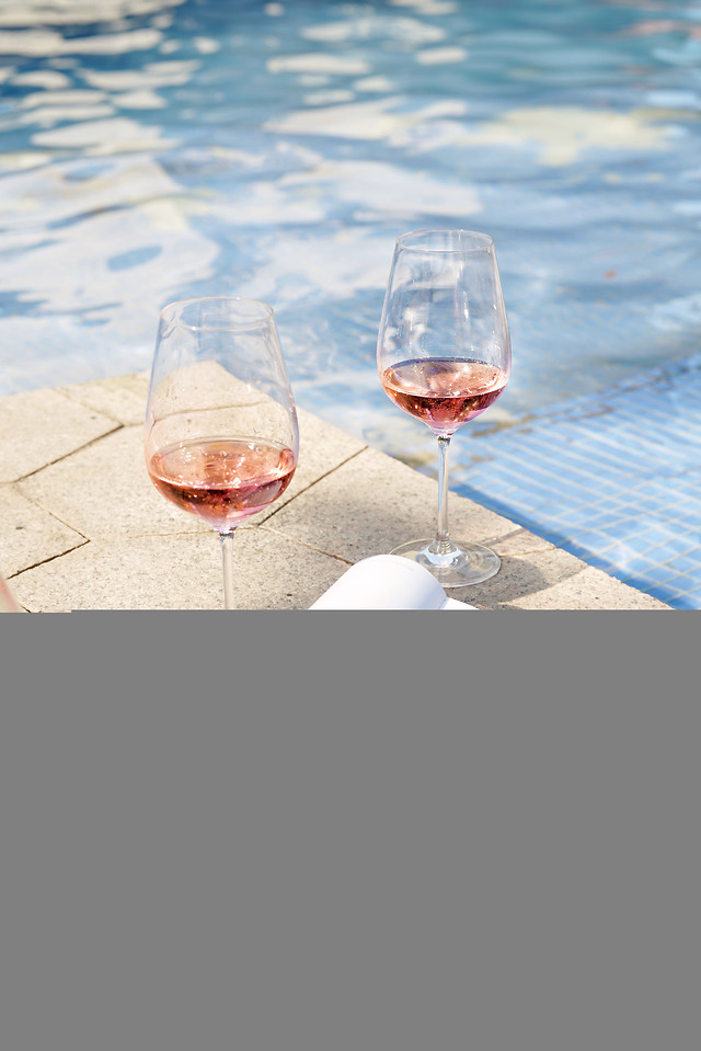 table-glass-wine-drink-red-wine 图片素材