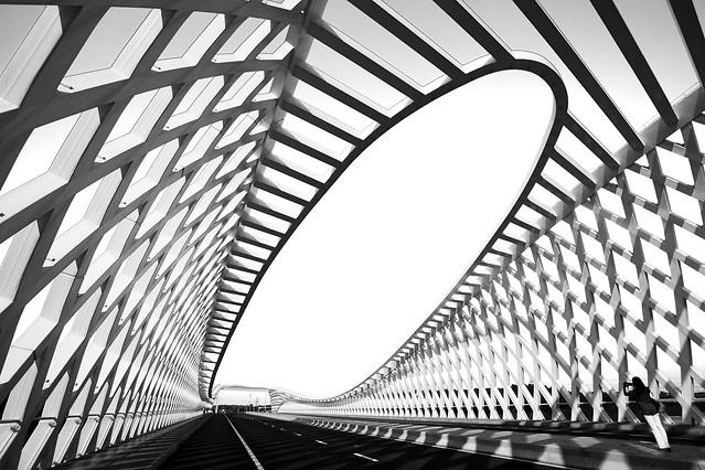 futuristic-modern-steel-no-person-geometric picture material
