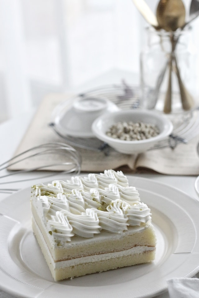 cream-food-white-cake-making-cake picture material