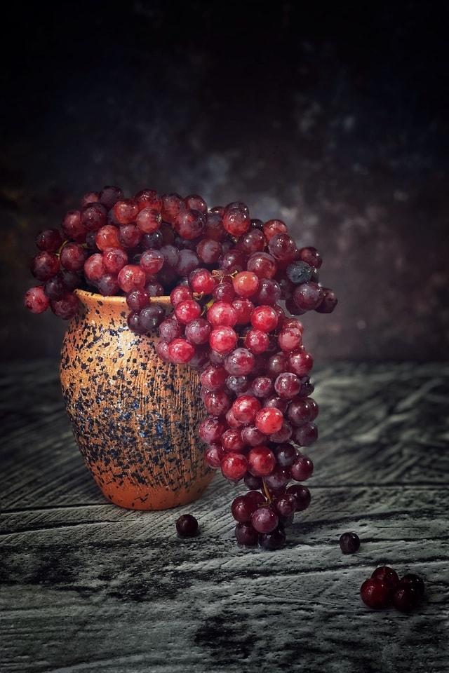 still-life-fruit-berry-dark-tone-flame-grape picture material