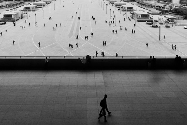 monochrome-parallel-world-black-and-white-station-people picture material