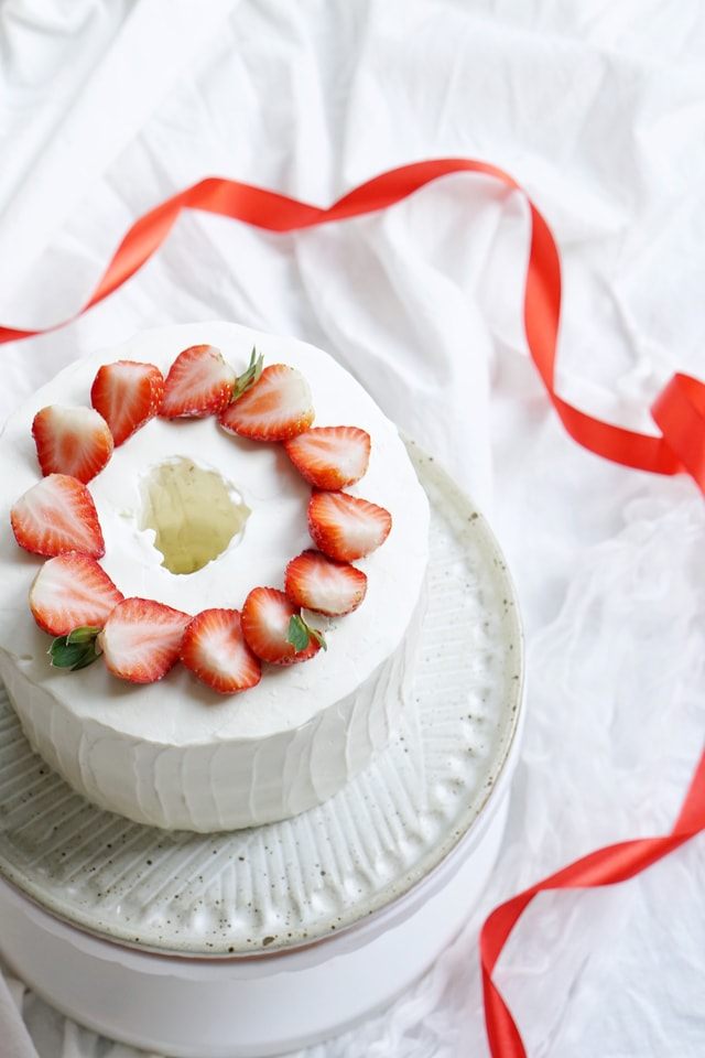 cream-food-strawberry-cream-cake-no-person-delicious picture material
