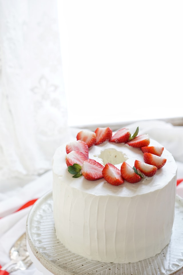 cream-cake-food-baking-strawberry-cream-cake picture material