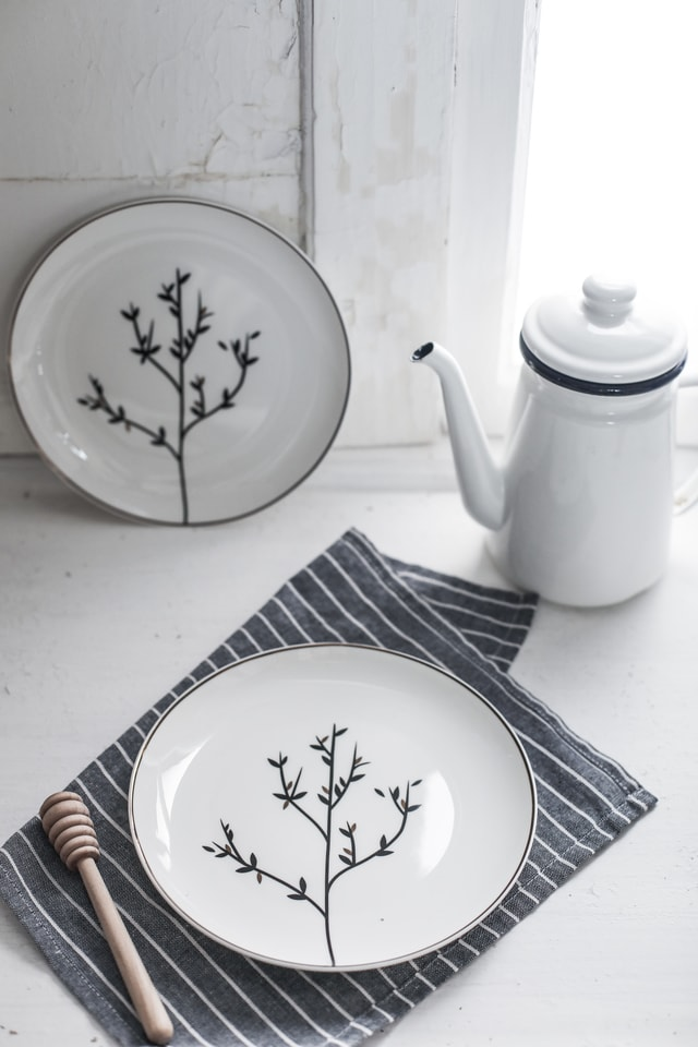dishware-porcelain-tableware-plate-cup 图片素材
