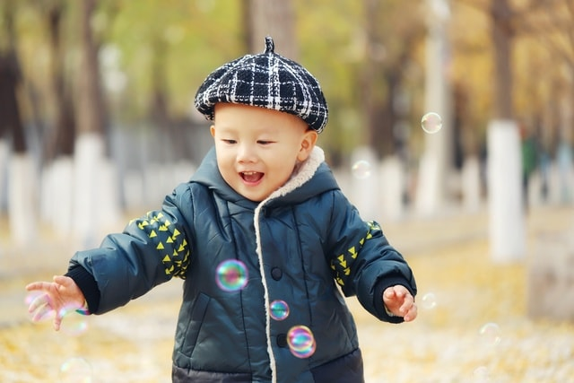 child-toddler-winter-boy-fun picture material