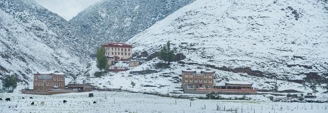 winter-snow-mountain-landscape-hut 图片素材