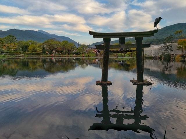 water-reflection-nature-sky-lake 图片素材