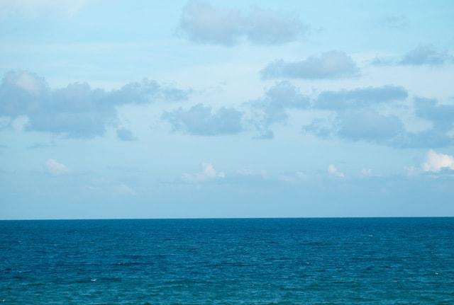 symmetry-sky-horizon-blue-sea picture material