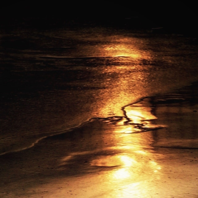 light-sky-geological-phenomenon-water-calm 图片素材